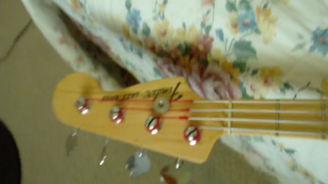 Fender Jazz Bass -- What Strings might be Appropriate?