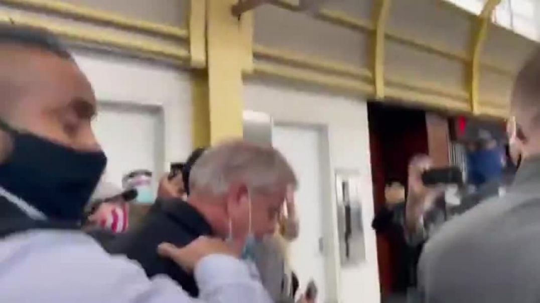 Lindsey Graham Confronted at Airport