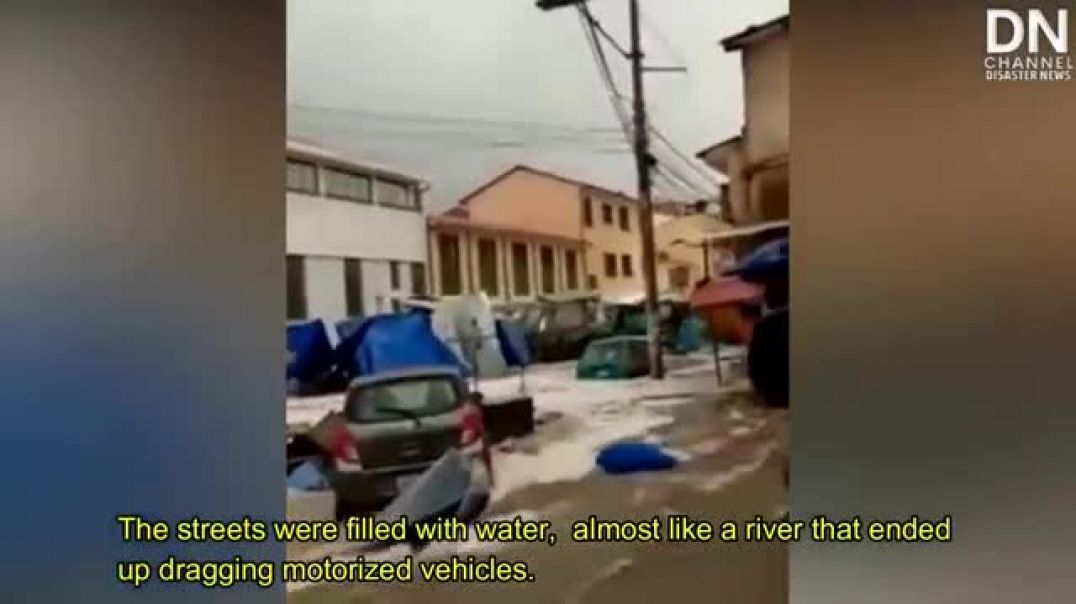 Terrifying Floods and Hail destroy buildings and cars in Sucre, Bolivia - Jan