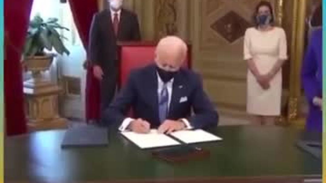 I Don't Know What I'm signing Here - Joe Biden  - 0;15