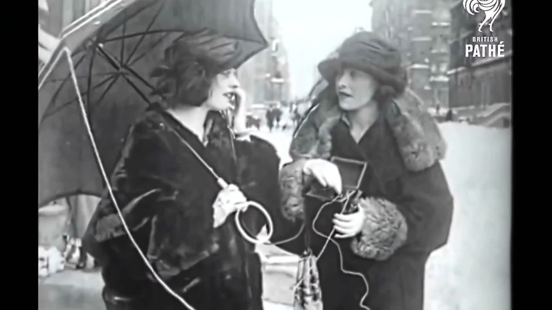 Mobile Phone Receiver 100 years ago. [4K,50fps]
