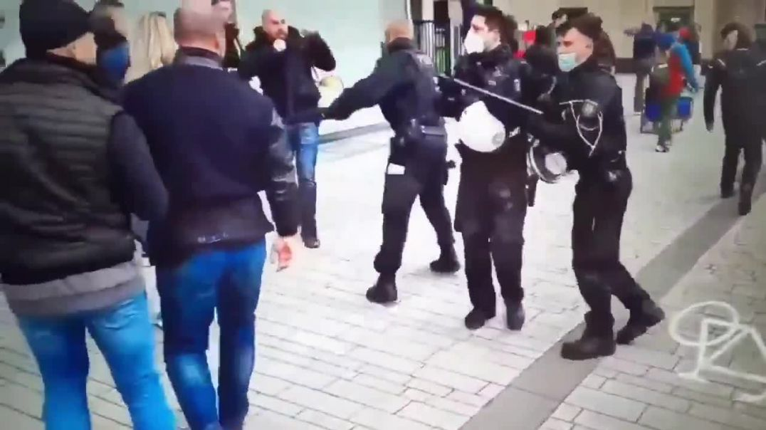 Protestors Show The Police Who's Boss In Germany