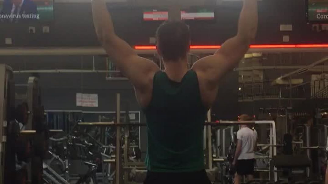 17 year old doing pull-ups