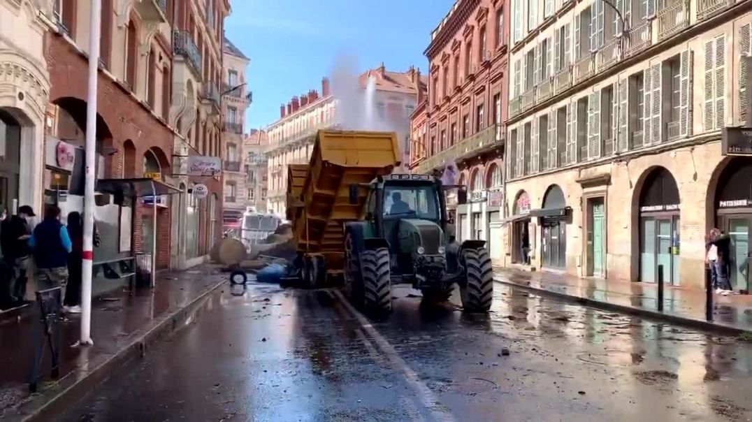 France, Toulouse - Manure on the streets - French farmers protesting ...