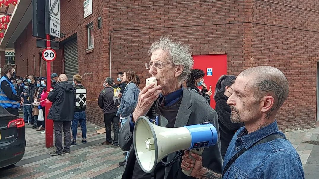 Piers Corbyn speech outside the China Town vaccine bus 27.5.21