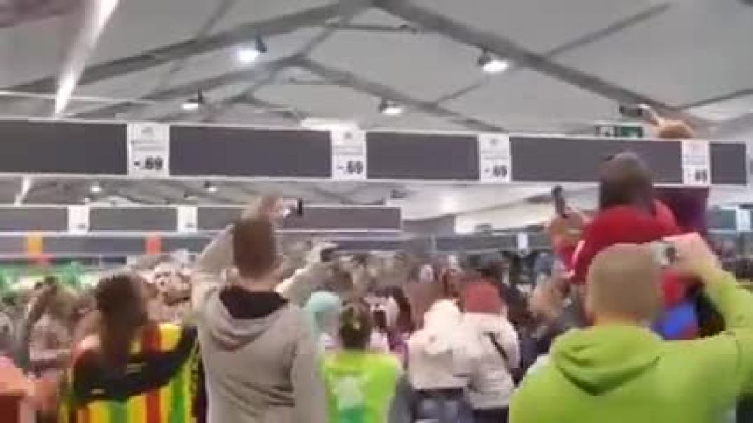 The Dutch Are Only Allowed Large Gatherings In Supermarkets.... So They Organised A Rave In One