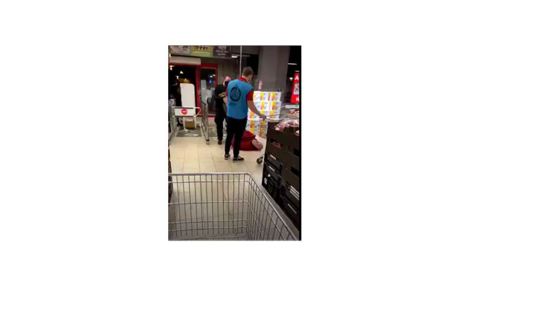Maskless shopper DRAGGED OUT OF STORE by the dirty, brain dead, masked sheeple