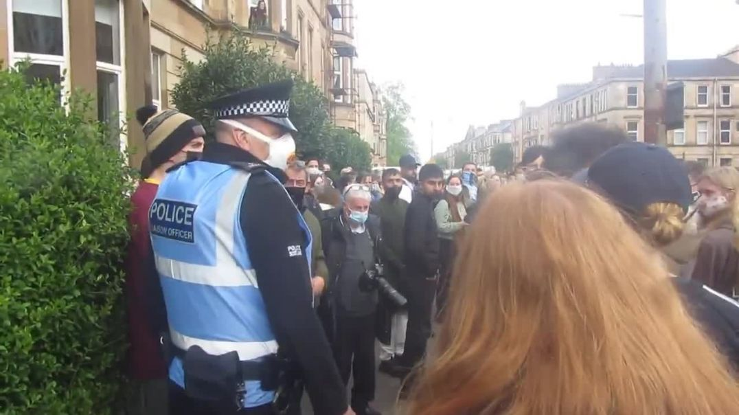 A Conversation with an Intelligence Officer @ Kenmure Street Anti-Eviction & Deportation Protest