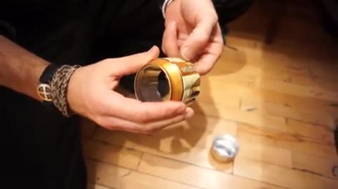 How to make a basic alcohol burner for heating soup.ect, from a beer can: