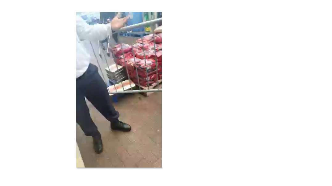 Thrown out of Tesco for NOT wearing a face mask
