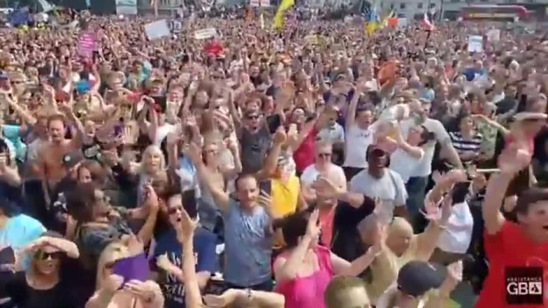 LONDON - FREEDOM RALLY - YOU'LL NEVER WALK ALONE