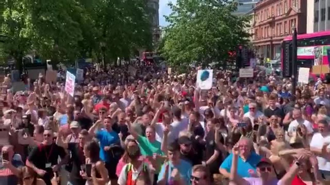 FREE TO DANCE - RAVE PARADE - BELFAST