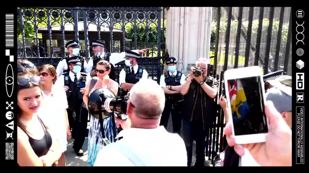 (EMB) WORD ON THE CURB - TAKE YOUR MASKS OFF ITS A HOAX! SHAME ON YOU! (19/07/21)