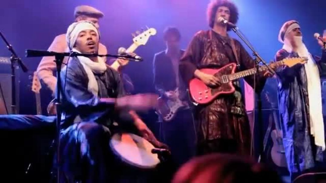 """""""Cler Achel"""" - Tinariwen & Red Hot Chili Peppers"""
