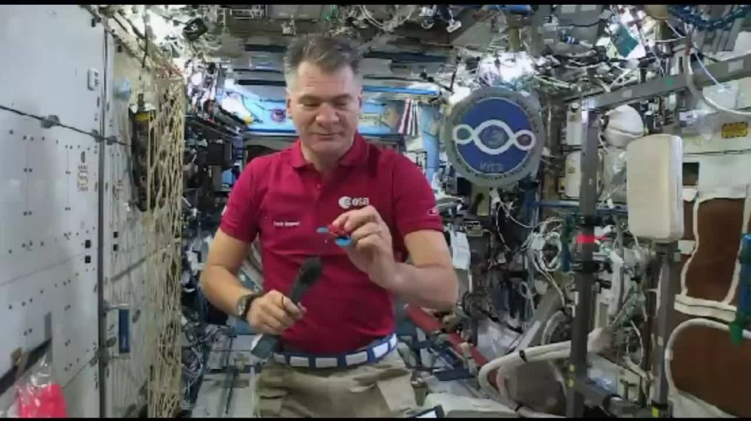 """NASA, SpaceX, & ESA Astronauts Caught Dropping Objects """"Aboard Zero Gravity ISS"""""""