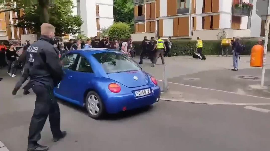 conflict in Germany between police and citizens