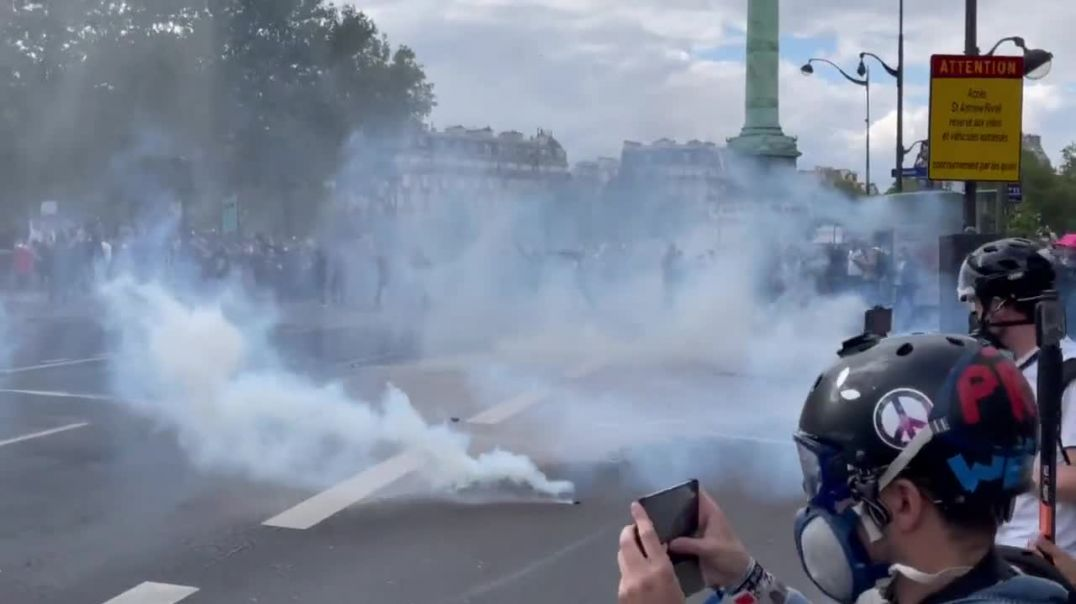French police use water cannons and tear gas