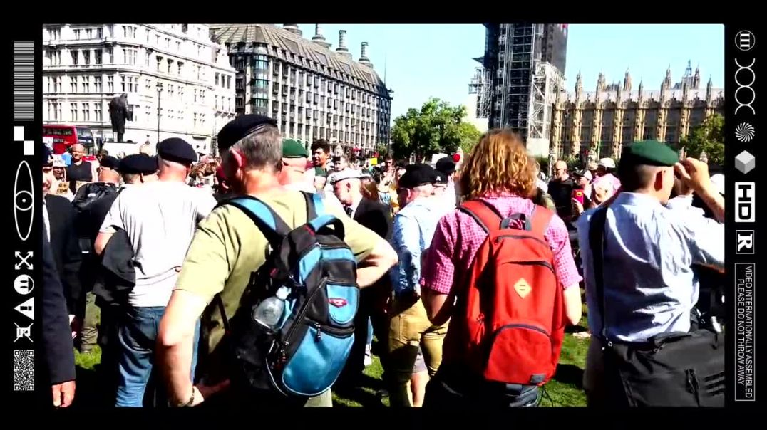 (EMB) WORD ON THE CURB - EX MILITARY PERSONNEL PROTEST IN PARLIAMENT SQUARE (08/09/21)