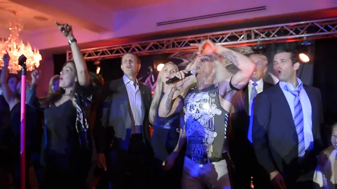 Dee Snider and The TrumDee Snider and the Trump family share the stage!
