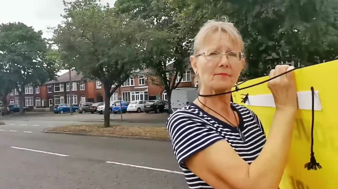 Leicester yellow card pavement protest
