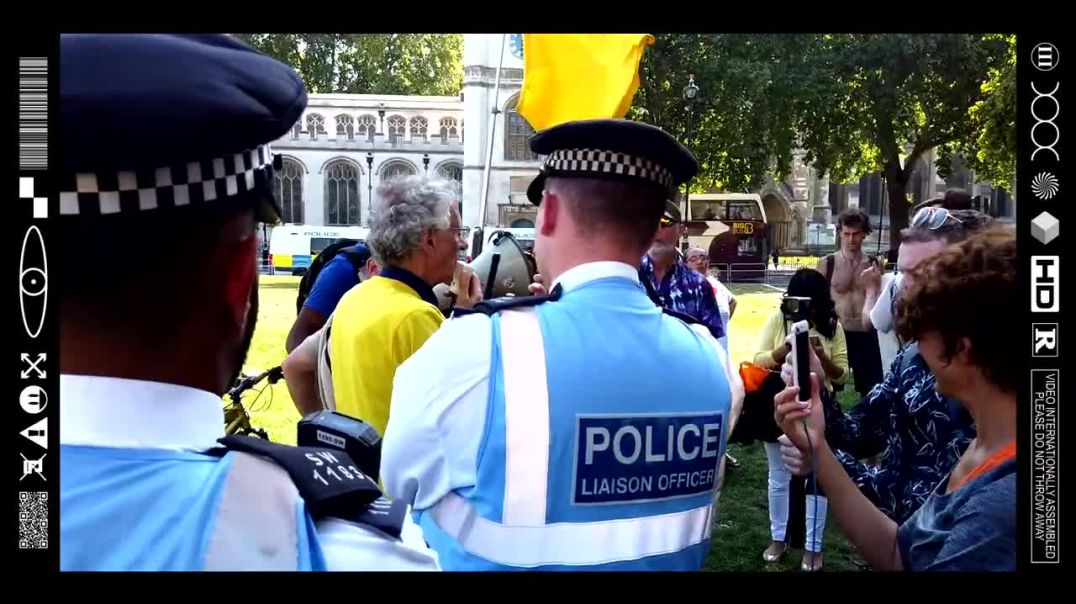 (EMB) WORD ON THE CURB - PICK N MIX PROTEST IN PARLIAMENT SQUARE - BREX/VETS/BIAF (08/09/21)