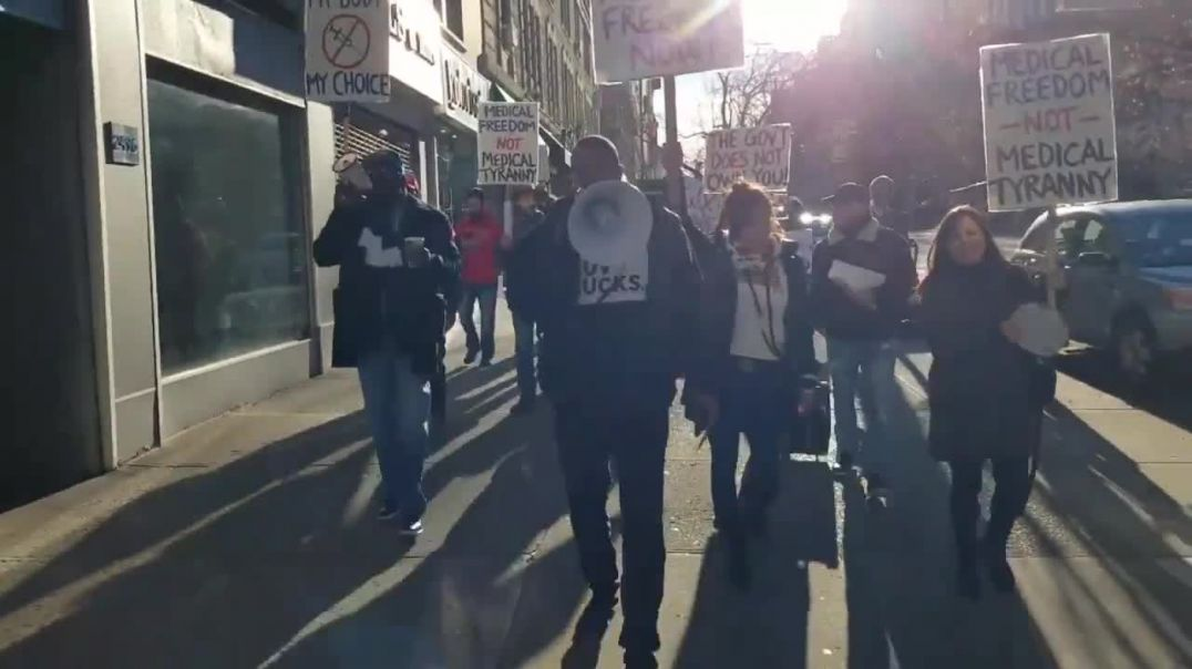 Black Lives Matter and Maga activists team up in solidarity against mandated vaccines/passports.