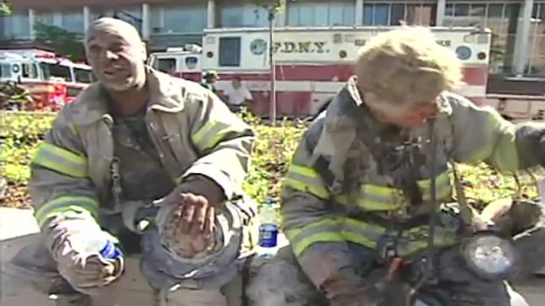 9/11 - THE FOOTAGE THEY DIDN'T LET YOU SEE TWICE (9/11 2001 Documentary)