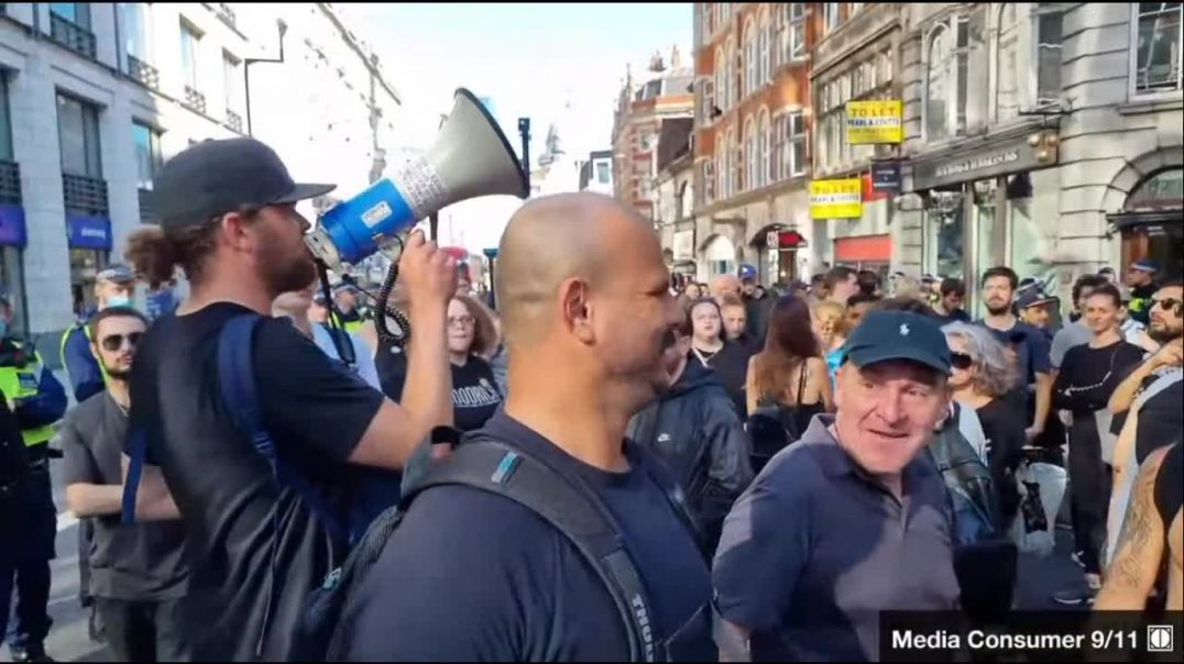 Short segment of the best Freedom March in history. Central London 16/9/21