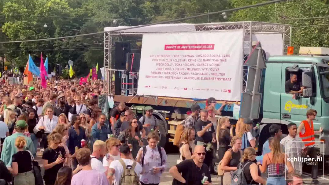 TIME LAPSE: Masses of Dutch protest / Party against covid restrictions - September 11, 2021