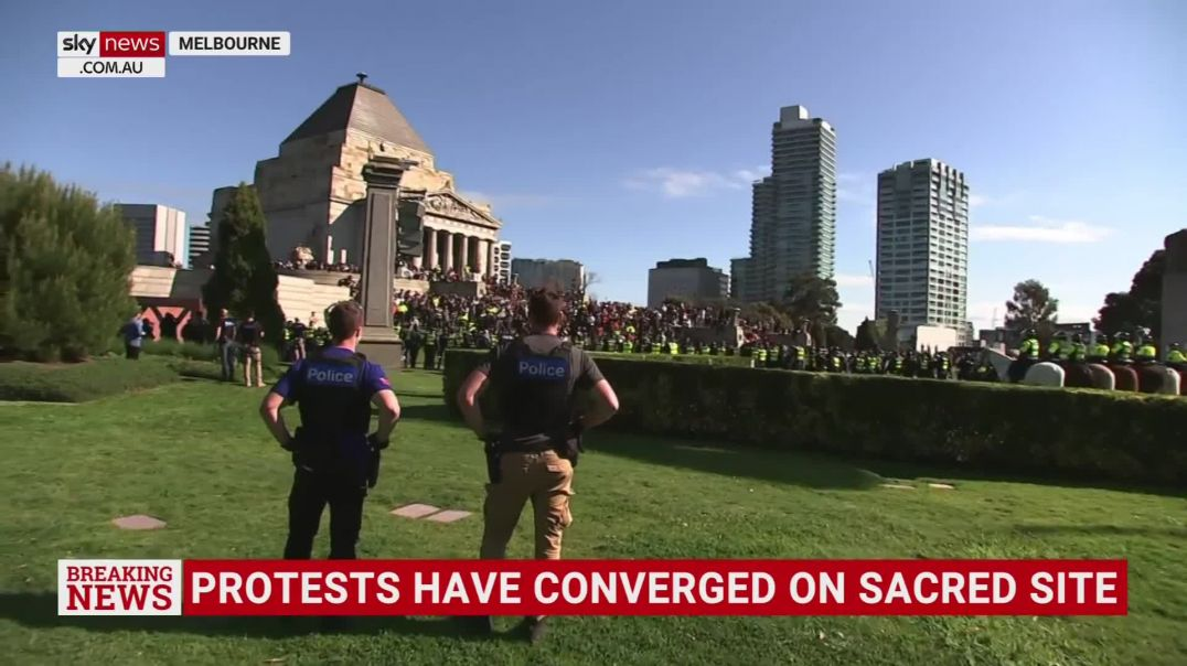 Stand-off between police and protesters 'turning into a siege'