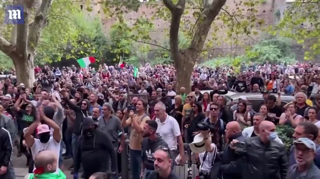 Covid-19_ Anti-vax protesters take over Rome targeting Draghis office