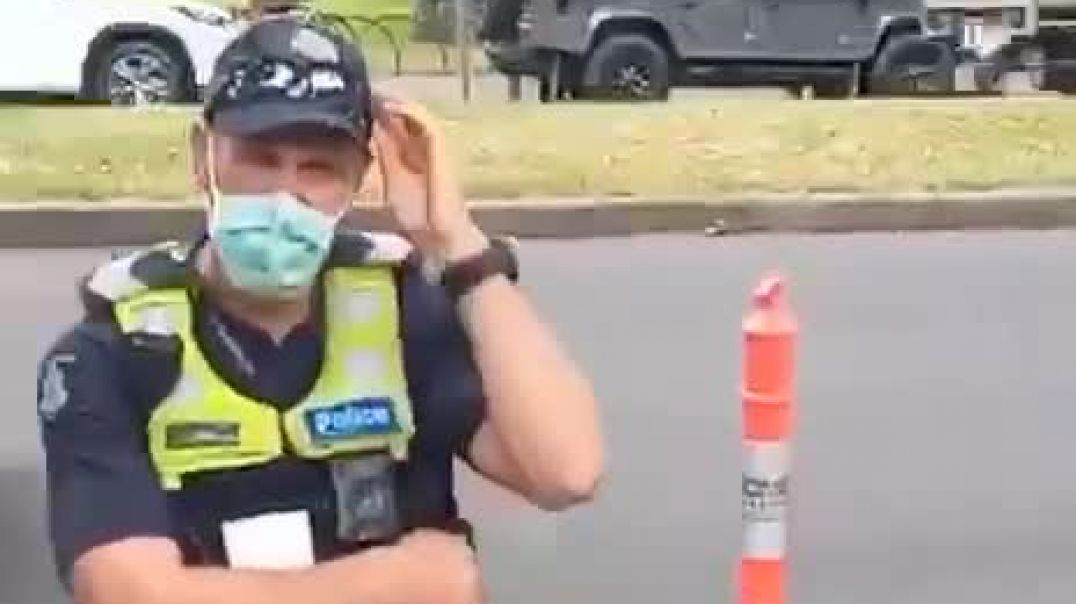 Australian Guy Tells the truth to police