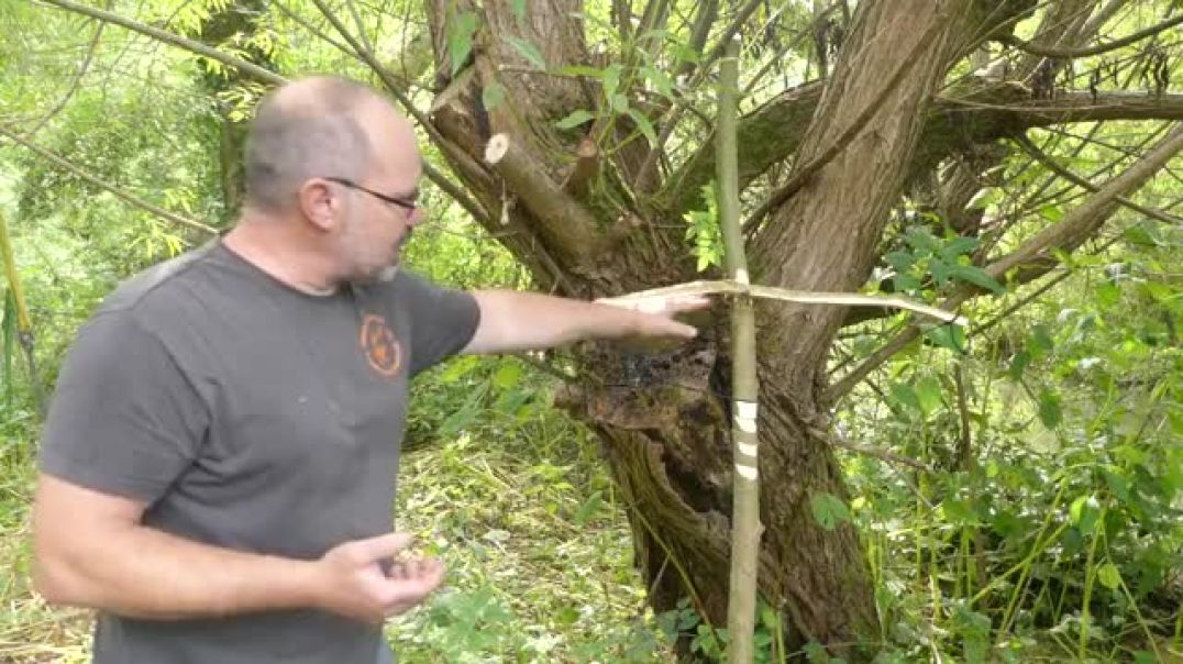 Bush Craft survival crossbow ; how-to guide: