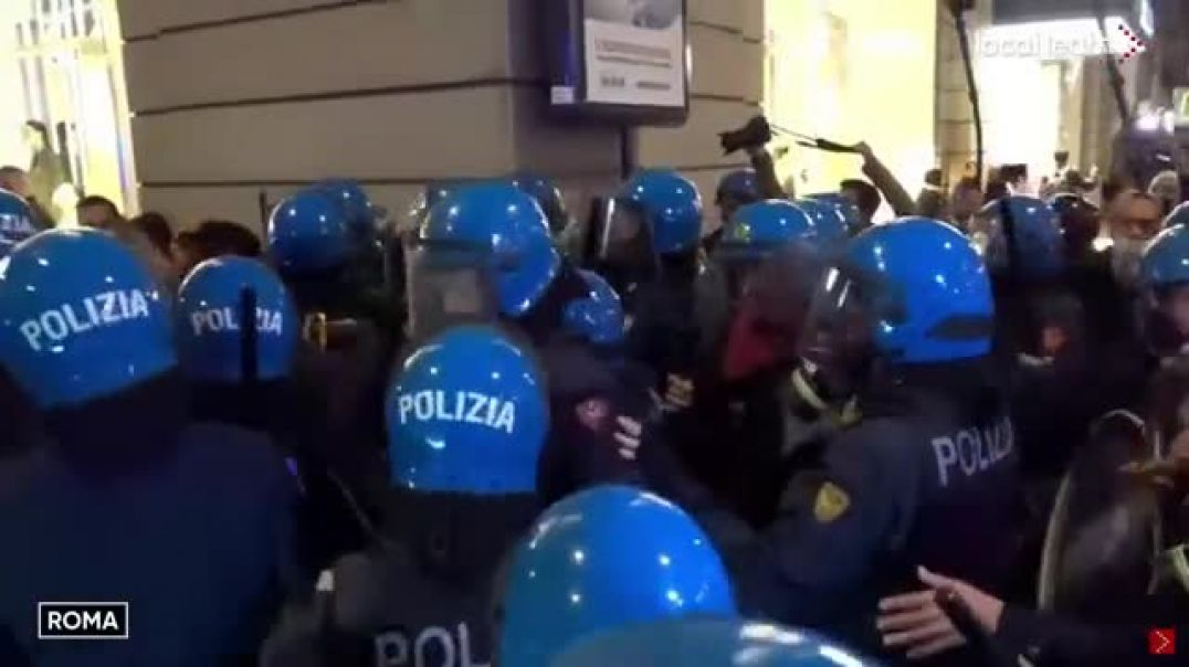 Police Brutality In Rome As The Sun Goes Down