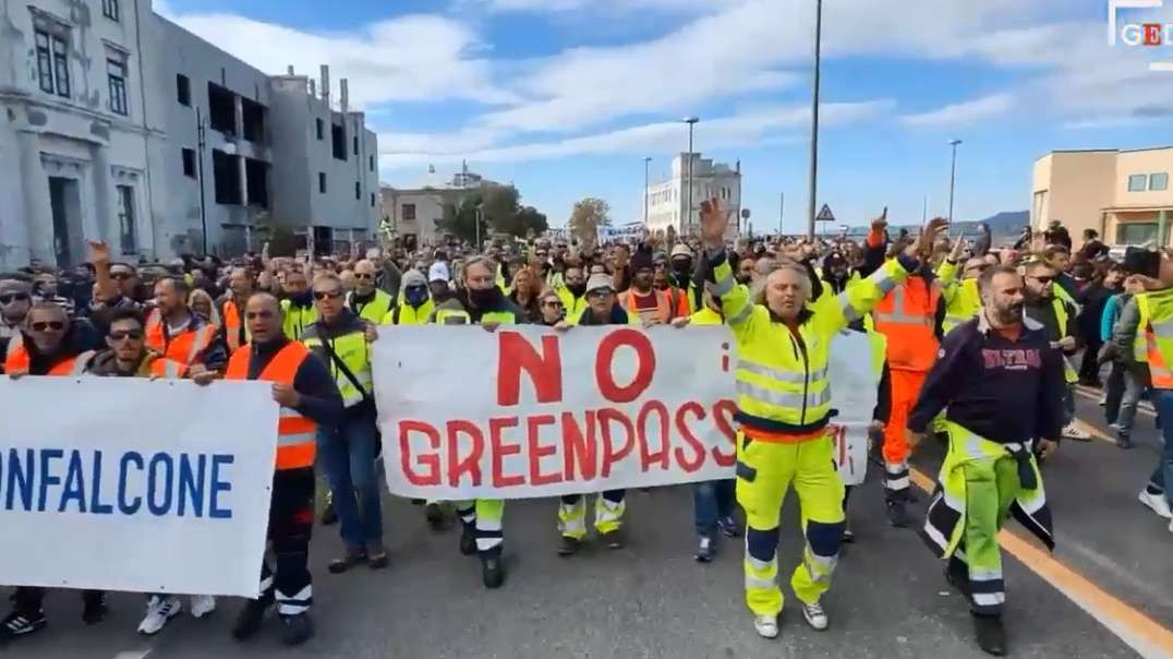 Italy Trieste Oct 11th Large Freedom No Green Pass Covid19 Vaccine Demonstration March Rally Protest