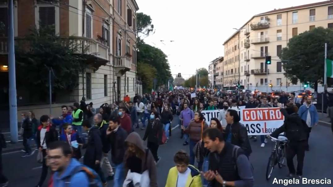 Italy Bologna Oct16th No Green Pass Covid-19 Vaccine Passports Freedom Demonstration March Protest