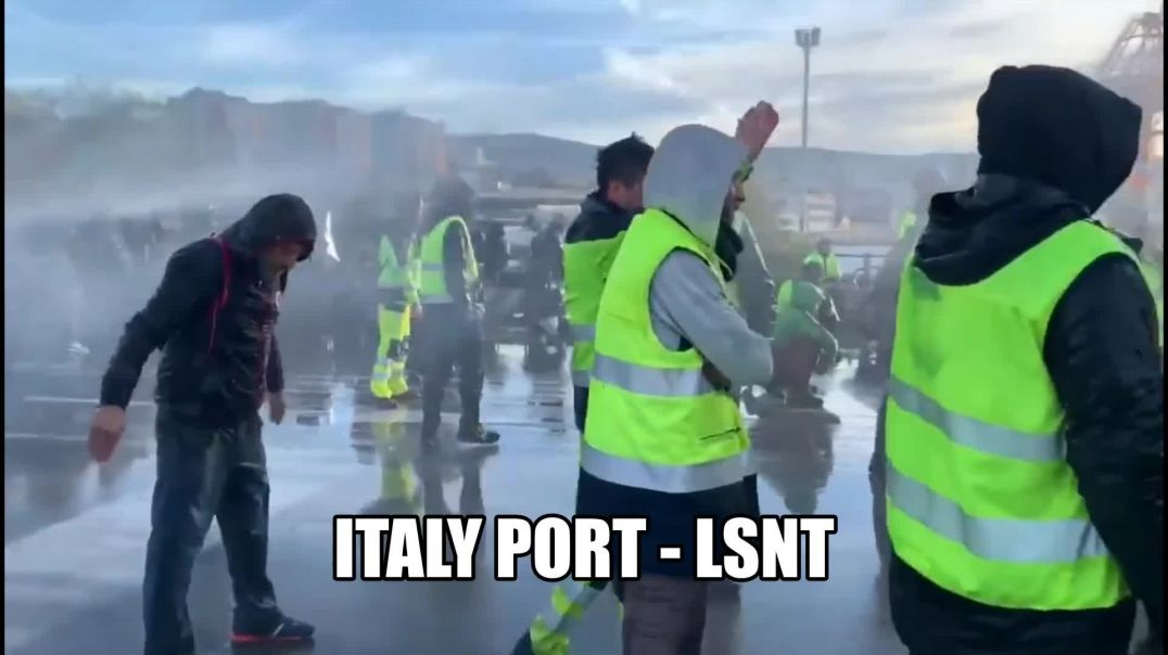 TROUBLE AT THE PORTS IN  ITALY - NO VACCINATION NO ENTRY