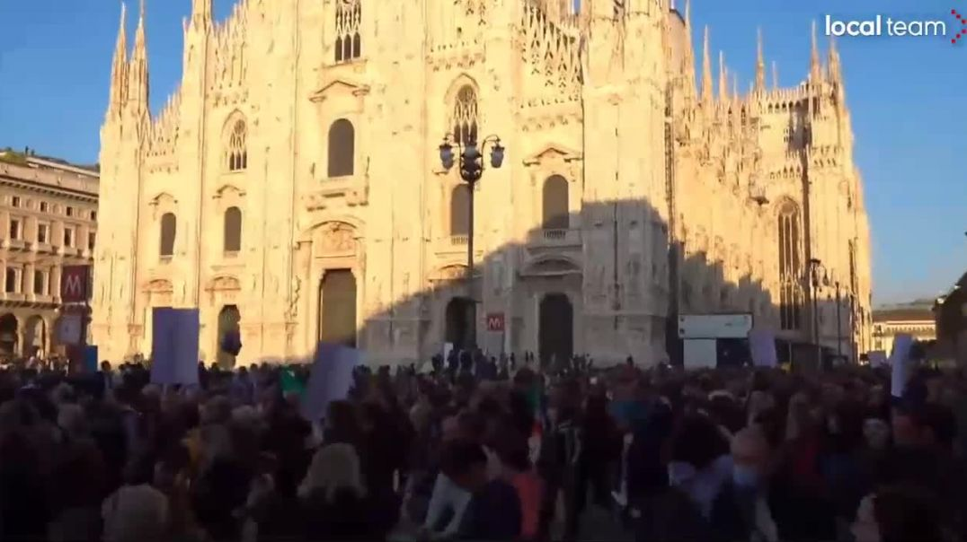 Italy Milano Oct16th No Green Pass Covid-19 Vaccine Passports Freedom Demonstration March Protest
