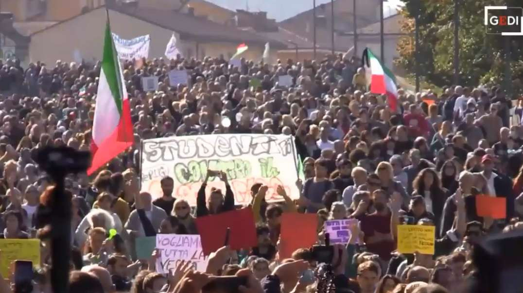 lgItaly Bologna Oct15th No Green Pass Covid-19 Vaccine Passports Freedom Demonstration March Protest