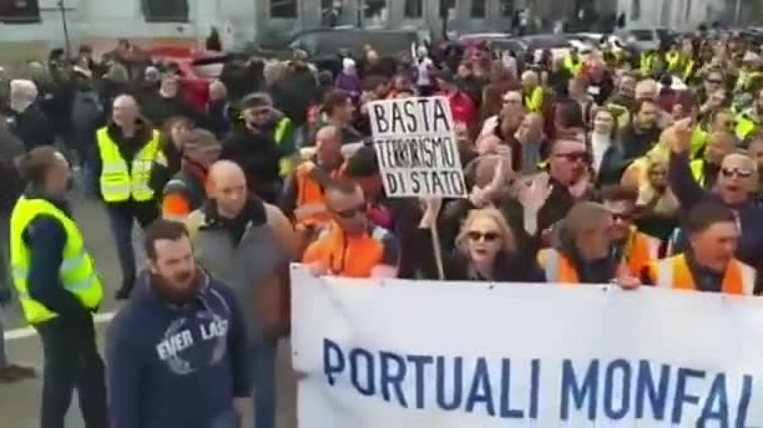 Italy Protesters Take Over Roads