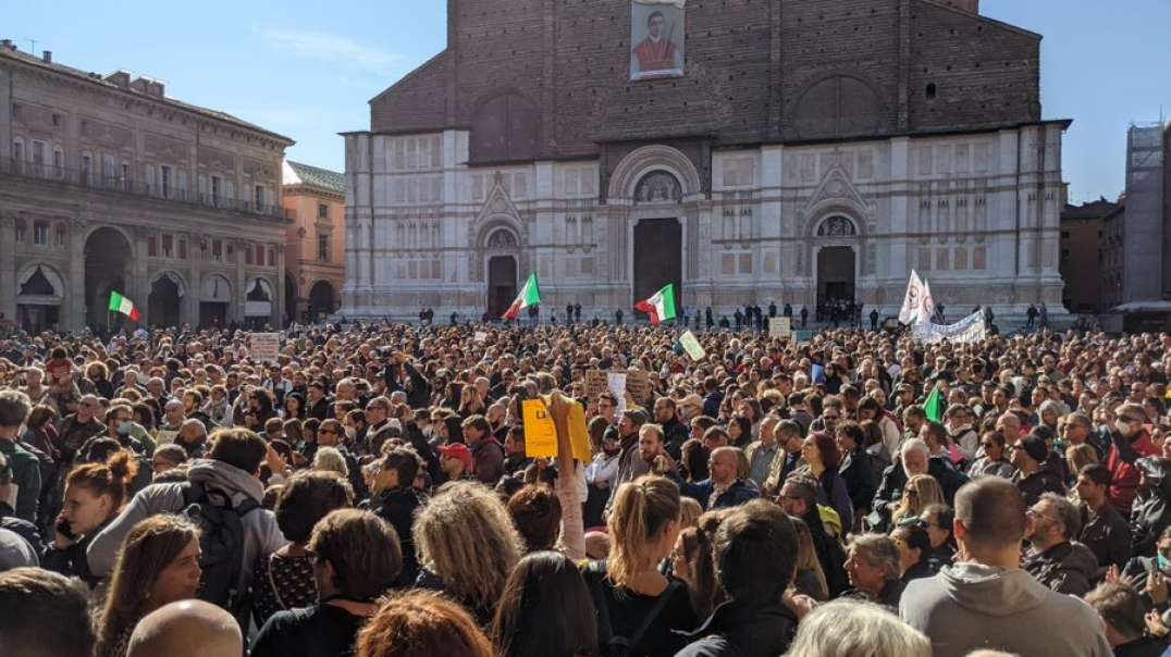 Italian Protestors Hit With Water Cannons But Who Is In Charge? Wake Up Call 10-19-2021