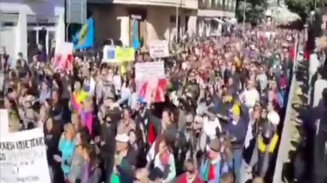Anti Vaccine Passport Protests Are Erupting Throughout Italy 15.10.21.